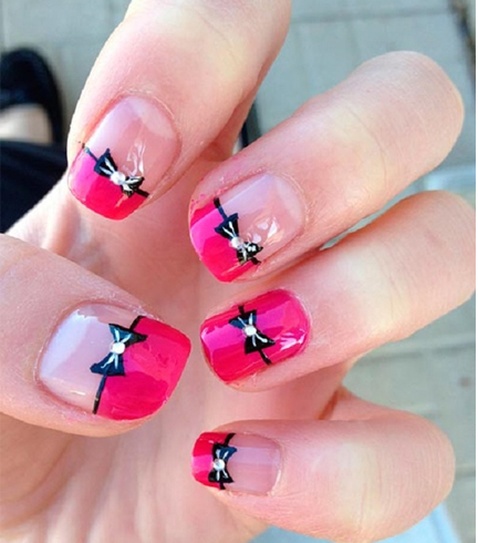 Chic and classy bow nail art for the girly girl in you since you are creating a bow the rhinestones on the outer side should be bigger repeat this process with rhinestones the second time before you see a bow prinsesfo Image collections