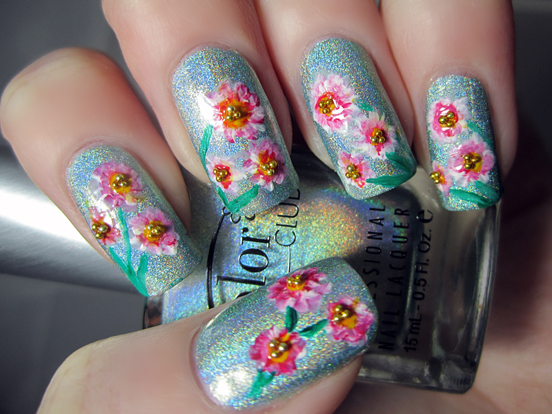 7 Flower Nail Art Designs for Your Inspiration - Victoria\'s Glamour