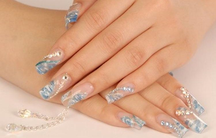 A Tutorial On How To Do Acrylic Nails - Victoria\'s Glamour