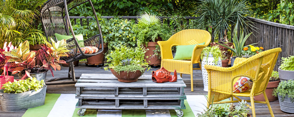 How To Decorate Your Outdoors With Impressive Large Pots Interesting How To Decorate Your Garden
