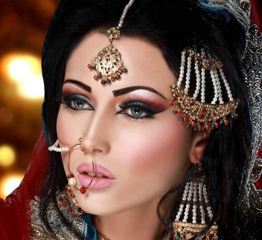 Your Step-By-Step Tutorial To Arabic Bridal Makeup ...