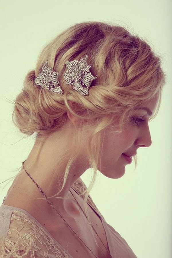 Unique Wedding Hairstyles Victorias Glamour - Wedding hairstyle romantic with flowers