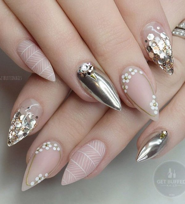 Rhinestone nail art ideas victorias glamour this time well show you how can decorate your nails with rhinestones and glitter youll be like a movie star enjoy prinsesfo Gallery