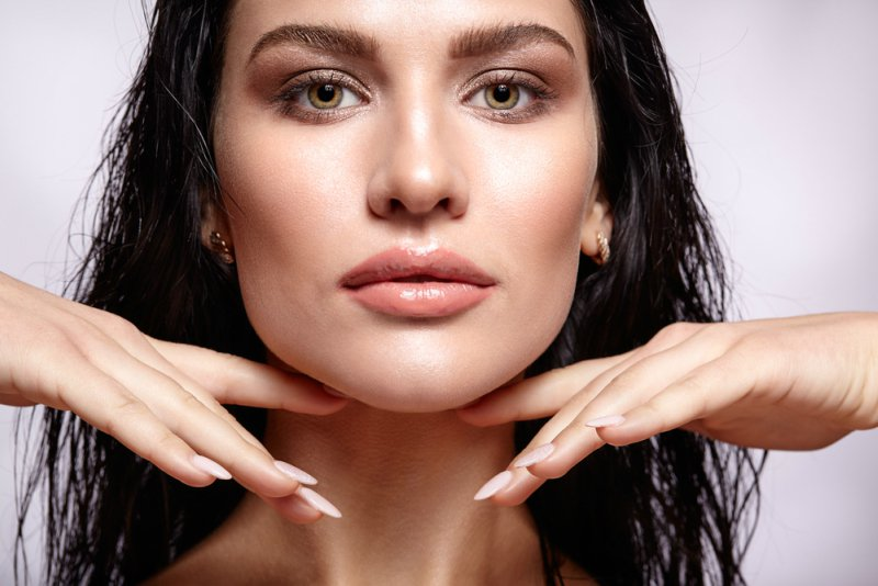 7 Facial Yoga Exercises To Tone Your Face Victoria S Glamour